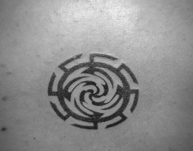 Мастер татуировок